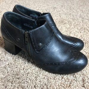 Born Booties Women Size 9.5 M/W Black Heeled